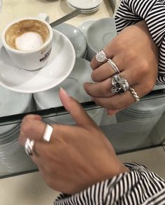 i really want to go to a caffè. Jewelry Accessories, Fashion Accessories, Fashion Jewelry, Jewelery, Silver Jewelry, The Bling Ring, Gold And Silver Rings, Nail Ring, Only Fashion