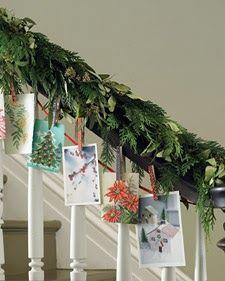 Christmas Stairs Decoration Ideas: DIY Decoration for Christmas Time Hanging Christmas Cards, Christmas Stairs Decorations, Christmas Card Display, Christmas Staircase, Christmas Garlands, Staircase Decoration, Xmas Stairs, Stair Decor, Christmas Greenery