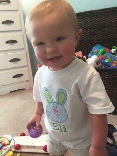 Loving this appliquéd bunny shirt and that sweet baby boy!  www.facebook.com/mamavia1
