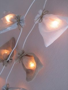 Guirlande lumineuse Beige/Blanc/Gris et Etoiles Nina : Luminaires par ninaninana sur ALittleMarket