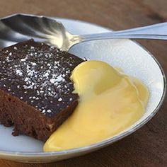 Economical chocolate bread pudding | Food24
