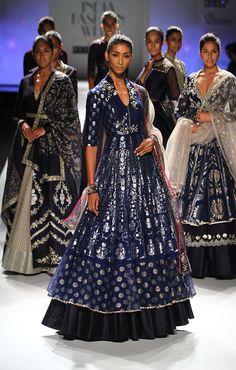New Ideas Fashion Week Winter 2019 Autumn India Fashion Week, Lakme Fashion Week, Indian Attire, Indian Wear, Indian Dresses, Indian Outfits, Fashion Wear, Fashion Dresses, Fashion Styles