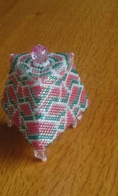 Uit het boek: little bead boxes van Julia S. Pretl