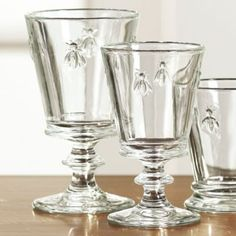 I love this glassware, especially for casual dinners where it's all about the wine and great conversation. Made of nicely weighted, molded glass embossed with honey bees, a traditional symbol of French royalty.