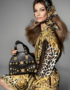 Conceived by Artistic Director, Donatella Versace and shot by legendary collaborator Steven Meisel, the Versace Spring 2018 ad campaign includes studio portraits of models from different eras including Gisele Bundchen, Naomi Campbell and Kaia Gerber Gianni Versace, Donatella Versace, Versace Versace, Gisele Bundchen, Christy Turlington, Naomi Campbell, Foto Fashion, Fashion Models, High Fashion