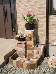 DIY-立水栓その3 - Yahoo!ジオシティーズ Yard Water Fountains, Garden Fountains, Garden Deco, Garden Yard Ideas, Front Yard Landscaping, Backyard Patio, Garden Sink, Brick Garden, Minimalist Garden