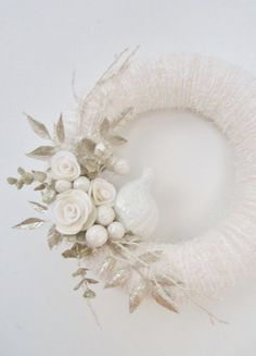 yarn wreath white and silver