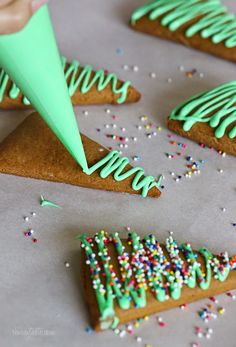 Easy Gingerbread Christmas Tree Cookies. | Skinnytaste