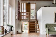 Mäklare Göteborg – Fastighetsbyrån Storängsgatan 70s Decor, Home Decor, Comin Home, Interior Styling, Interior Design, Arch House, Mid Century Modern Decor, Home Pictures, Scandinavian Interior