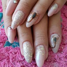 So you think you've seen it all?  Try real scorpions embedded in your nails....WTF?! Would you be down for this? #durango #nailart #nails #nailz #scorpions #wow #notd #gross #queasco #queonda #alacran