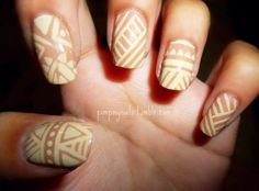 i can never freehand these patterns on my nails. i can paint a bloody monet but ask me to make a random pattern or doodle and i'm stumped. i'm going to copy this exactly, nail by nail lol
