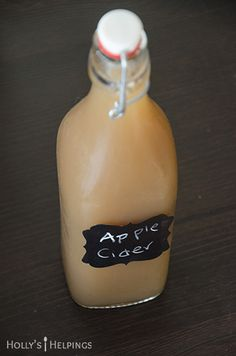 I love making easy recipes for any taste or diet. I'm so excited to share with you a homemade apple cider recipe that is simple and will make your house smell really, REALLY good. Apple Recipes, Pumpkin Recipes, Sweet Recipes, Holiday Recipes, Fruity Cocktails, Non Alcoholic Drinks, Beverages, Homemade Apple Cider, Winter Drinks