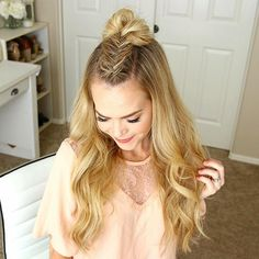 Dutch Fishtail Mohawk Braid + Mini Bun  One of 3 ways to style this Braid! Check out the other two by watching the tutorial!  Link in my bio! #missysueblog