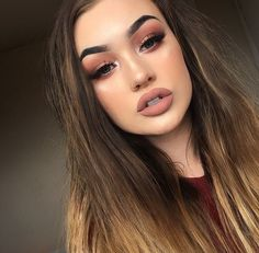 grafika girl, makeup, and tumblr