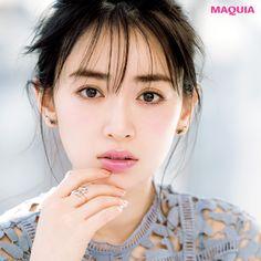 ドラマティックな女顔に合う春のリップメイクを公開! 「MAQUIA」4月号からお届け。女顔×ドラマティックに似合うのは…Lip透け色青みピンクで甘さを引き算丸みのある骨格に、眉や目元、唇などのパーツひとつひとつがはっきりした華やかな顔立ち。メイク感...