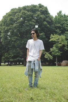 [Street Style] Satoshi Takagi | 美容師 (Bloc) | Harajuku (Tokyo) Japanese Streets, Japanese Street Fashion, Man Japan, Japan Fashion, Asian Style, Harajuku, Tokyo, Men Casual, Normcore