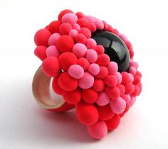 Maura Biamonti, Pink Eye, 2012, ring, obsidian, sterling silver, polymer, 55 x 50 mm, photo: unknown.