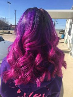 Purple and pink ombre fade magenta hair ideas in dress . purple and pink ombre hair cake . Dark Pink Hair, Pink Ombre Hair, Best Ombre Hair, Magenta Hair, Hair Color Purple, Beautiful Hair Color, Bright Hair, Hair Color Balayage, Dreads