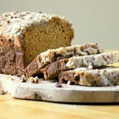 Maple Pecan Streusel Pumpkin Bread-- maple syrup just makes everything taste better!