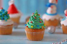 Karácsonyi cupcake Recept képpel - Mindmegette.hu - Receptek Cupcake Receptek, Cop Cake, Food And Drink, Food