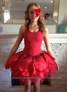 Dancing Rose from Alice in Wonderland 31 Disney Costume Tutorials You Have To Try This Halloween Costume Fleur, Rose Costume, Flower Costume, Jasmine Costume, Disney Costumes, Dance Costumes, Cosplay Costumes, Woman Costumes, Adult Costumes