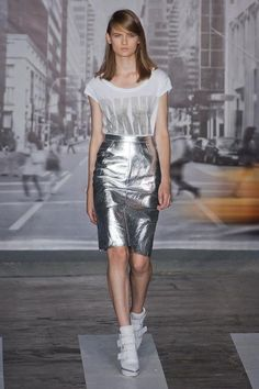 Metallics trend for women: shimmers and futurstic twists