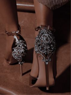 Queen Aesthetic, Badass Aesthetic, Princess Aesthetic, Classy Aesthetic, Aesthetic Shoes, Dark Princess, Princess Shoes, Fancy Shoes, Cute Shoes