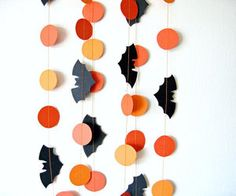 Image uploaded by Pele Mele. Find images and videos about halloween decor, halloween decoration and paper garland on We Heart It - the app to get lost in what you love. Holidays Halloween, Halloween Diy, Halloween Girlande, Bricolage Halloween, 3d Paper, Diy Halloween Decorations, Samhain, Holiday Crafts, Garland