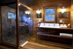 Awesome Wooden Bathrooms That Will Steal The Show
