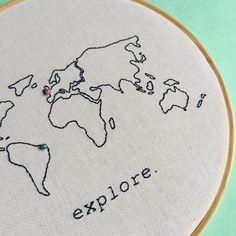 amor por mapas  #sigoacml  •  •  •  •  #acoisamaislinda #embroideryhoop #wanderlust #mapas #bordadolivre #maps #feitoamao #handmade #compredequemfaz #travelholic #lovers