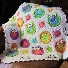 I wish I could crochet like this. This is adorable! PATTERN Owl Obsession a CoLorFuL owl blanket by TheHatandI. , via Etsy. Holy crap, I wish I were that talented! Crochet Owls, Crochet Motifs, Crochet Blanket Patterns, Crochet Crafts, Yarn Crafts, Crochet Baby, Crochet Projects, Crochet Blankets, Afghan Crochet