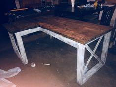 Plan: L Shaped DeskPhoto Credit: Kimmie Woodworking Furniture Plans, Woodworking Projects Diy, Diy Furniture, Woodworking Mallet, Woodworking Store, Teds Woodworking, Diy Office Desk, Diy Computer Desk, Diy Wood Desk