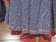 Lots of up close alabama chanin photos Alabama, Reverse Applique, Fabric Manipulation, Diy Clothing, Handmade Clothes, Refashion, Hand Sewing, My Style, Folk Style