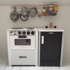 BRIO kids kitchen with stove and sink