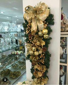 Christmas Swags, Rustic Christmas, Christmas 2019, Christmas Ornaments, Christmas Flower Arrangements, Floral Arrangements, Xmas Decorations, Wedding Decorations, Garland