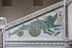 Sorrento, 2007: Duomo di Ravello - Mosaic on pulpit. Jonah and the whale as imagined 800 years ago (Italy) | RoCam