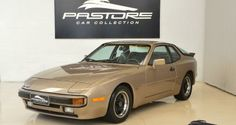 Porsche 944 S2 1983 Dourado - Pastore Car Collection