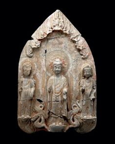 Buddhist Triad Mandorla, Northern Wei Dynasty (Look how the shapes and halos almost look like Gothic or early medieval Christian art) Buddha Sculpture, Buddha Statues, Stone Statues, Stone Sculpture, Tibetan Art, Hindu Art, Buddhist Art, Christian Art, Chinese Art