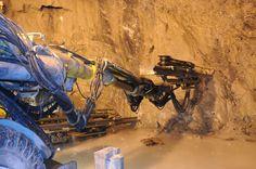 Proyecto Hidroeléctrico Porce III - Construcción de la conducción, central subterránea, y obras asociadas al proyecto.  Año de construcción: 2011 Ciudad: Amalfi, Antioquia, Colombia. Cliente: Empresas Públicas de Medellín
