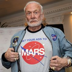 As Buzz Aldrin approaches his birthday, Rod Pyle chats to the Apollo 11 astronaut about his life, legacy, and humanity's future in space. Nasa Space Pictures, Apollo Spacecraft, Apollo Space Program, Cute Instagram Pictures, Nasa Missions, Buzz Aldrin, Kennedy Space Center, Air Space, Apollo 11