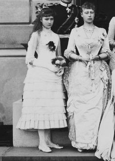 Princess Alix of Hesse and Princess Victoria of Hesse Victoria Family Tree, Queen Victoria Family, Princess Victoria, Princess Louise, Princess Alice, Prince And Princess, Victoria's Children, Queen Victoria Children, Royal Family Trees
