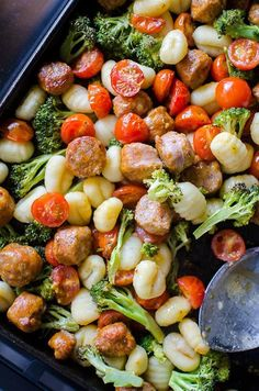 Sheet Pan Oven Baked Gnocchi with Sausage and Vegetables Gnocchi Sausage, Baked Gnocchi, Gnocchi Recipes, Vegetable Recipes, Chicken Recipes, Sheet Pan Suppers, Cooking Recipes, Healthy Recipes, Rice Recipes