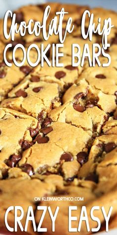 Chocolate Chip Cookie Bars are all the deliciousness of chocolate chip cookies in just one batch - no rolling required. Perfect for lazy & busy days alike. Mini Desserts, Easy No Bake Desserts, Strawberry Desserts, Best Dessert Recipes, Cookie Recipes, Delicious Desserts, Diabetic Desserts, Amazing Recipes, Sweet Recipes