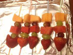 Safe fruit kebabs for kid's school parties- use straws instead of skewers!