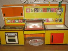Lemezárugyári játékkonyha Poland Country, Lost & Found, Old Toys, Hungary, Childhood Memories, Old School, Ohio, Budapest, Dolls