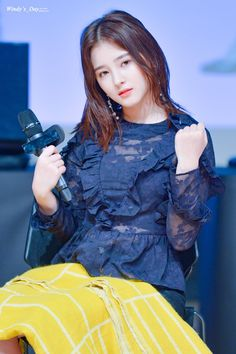 Beautiful Japanese Girl, Beautiful Girl Image, The Most Beautiful Girl, Cute Girl Poses, Cute Girl Photo, Cute Girls, Nancy Jewel Mcdonie, Nancy Momoland, Girl Pictures