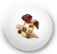 For over three centuries, Gaggenau has been a leading brand for innovative and revolutionary home appliances. Find out here why the difference is Gaggenau! Nigel Haworth, Fermented Cabbage, Michelin Star, 20 Years, Chefs, Truffles, Spinach, Third, Awards