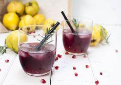 Mit dem rubinroten Gin - Quitte Drink wird jeder Abend ein voller Erfolg. Spritzig, Süß, Sauer & Fruchtig so schmeckt der Gin - Quitte. Probiert's aus!