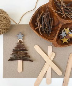Stick Tree Ornaments 🍂 This is a beautiful and simple Christmas decoration made with sticks. If you live in Perth, you will have an… Christmas Activities, Christmas Crafts For Kids, Christmas Projects, Simple Christmas, Holiday Crafts, Christmas Holidays, Christmas Gifts, Homemade Christmas Decorations, Diy Christmas Ornaments