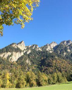"""Hoi zäma, händ hübscha Tag 🍀🌞  Zur Graubünden Übersicht: https://www.graubuendner.ch/blog/allgemein/guata-morga-tagesuebersicht-zum-donnerstag-dem-12-10-2017/  Fotos: """"H E R B S T in Chur"""" 2x #GRischashot via papso95 auf Insta, herzlicha Dank 👌  Folge papso95 auf Instagram: https://www.instagram.com/papso95/"""